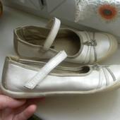Кожаные туфли в очень хорошем состоянии.