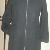 Замечательное шерстяное пальто с капюшоном. Смотрите пож. замеры!
