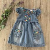 Джинсовое платье для девочки 1-1,5 года. В хорошем состоянии.