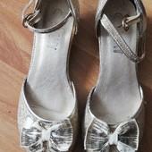 Нарядні туфлі 20 см. Дивіться інші мої лоти