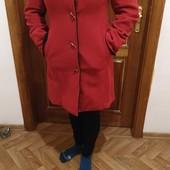 Продам красное пальто р. М