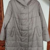 Очень теплая и дорогая куртка с капюшоном 58размер