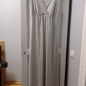 Нарядное фирменное платье, не жаркое для лета. Р-р S. Состояние отличное.