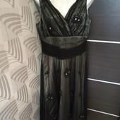 Фирменное красивое платье в отличном состоянии р.12-14