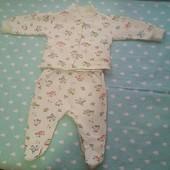 Костюмчик для малышей 0-4 месяца.