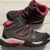 Отличные ботиночки 35 размер стелька 22,5 см
