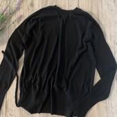 Женский свитер ( с открытой спиной). Размер l-xl. В хорошем состоянии.