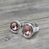 Винтажное женское кольцо с двумя розовыми камнями . Размер 17-17,5
