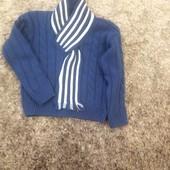 Интересный свитерок с шарфом