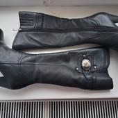 Кожаные зимние сапожки и шлепанцы размер 35