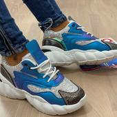 Шикарные дышащие кроссовки/форсы с вставками голограммы.36-23 см