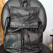Великий шкіряний рюкзак.Made in Italy