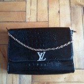 красивая сумочка клатч, есть нюанс