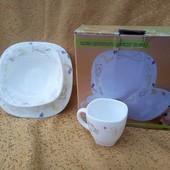 Набор детской посуды с высококачественной стеклокерамики.