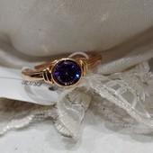 очень красивое кольцо с фиолетовым алпанитом, р. 18, позолота 585 пробы