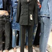Классический костюм р. S-M, утеряны пуговицы с пиджака при транспортировке