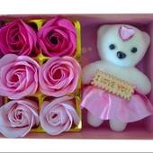 Мыло в форме роз с мишкой в подарочной упаковке. Идеальный подарок близким!