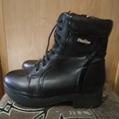 Ботинки женские б/у. Размер 38. Кожзам, утеплены
