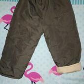 Тёплые штанишки на синтепоне в отличном состоянии, на 1-2 года