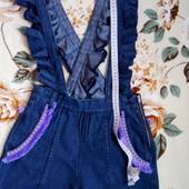 Брендовый джинсовый комбез шорты с рюшами и декором