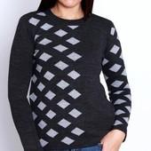 Турция! Качественный свитер, размер 44/50 наш (универсальный), есть замеры