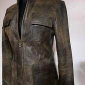 Состояние нового. Натуральная крэковая кожа. Очень качественная и стильная куртка пиджак