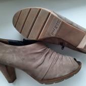 Бомбезные натуральные ботинки ботильоны с открытым носком , 24,5-25 см