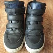 Класні фірмові хайтопи черевики 23см