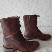 Суперові шкіряні черевичкі бренда 17 Gortz,р 37 ст 23.5 см,стан відмінний