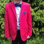 Очень стильный нарядный крутой пиджак  (длинна 54)