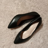 Туфли на устойчивом каблуке. На широкую ножку. Стелька 25см