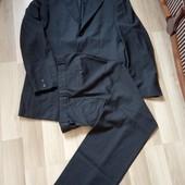 Фірменний легкий костюм , made in Italy