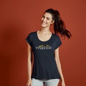 Классная вискозная футболка Esmara Германия размер евро М (40/42)
