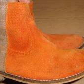 Яркие замшевые деми ботиночки San Marina