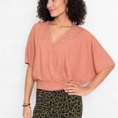 Симпатичная, фирменная, качественная блузка. Пр-во Турция. р-р: 40/42. новая. описание