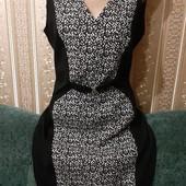 Модное тёплое силуэтное миди платье 38р.европ. без следов носки
