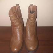 Легкі короткі чобітки фірми Rieker на розмір 39!