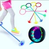 Скакалка на одну ногу со светящимся роликом 1 на выбор синяя,,зеленая ,розовая,красная