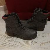Ботинки із еко шкіри,від Boxx,із легким утепленням,розмір 41,устілка 26,3