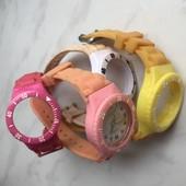 Часы с ремешками