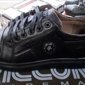 Шкіряні кросівки 43 р повноміри / шт / ін. моделі і моїх лотах!