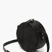 ☘ Лот 1 шт ☘ Трендова кругла сумка через плече від Boohoo (Німеччина), розмір onesize