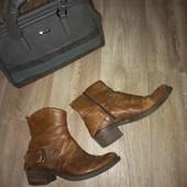 Кожаные женские ботинки 39рр