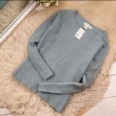Классный фирменный свитер очень красивый ,новый,на пышные формы!