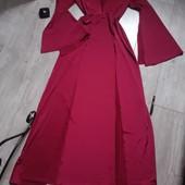 Шикарное платье два разреза впереди богатый вид на торжество или фотосессию цвет бардо