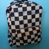 Красивый, практичный рюкзак. очень вместительный