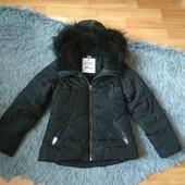 Курточка  на синтапоне , рост 122-128, с бантиком на кармане. В идеальном состоянии