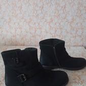 Суперові шкіряні черевичкі стан нових,р бренда Cox,p 39 ст 25 см