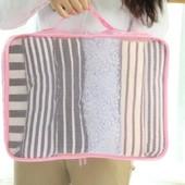 Органайзер - сумка, чехол для одежды, белья ( цвет белый с кактусами)
