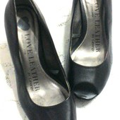 Фирменные Кожаные! туфли с открытым носиком 37-38 размер...стелька 24 см.